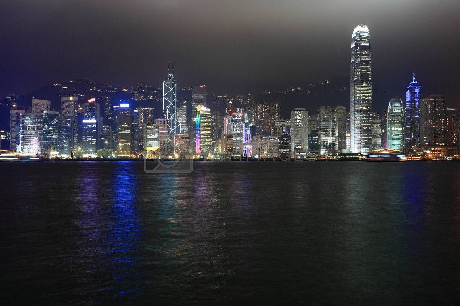 Hong Kong night by leungchopan