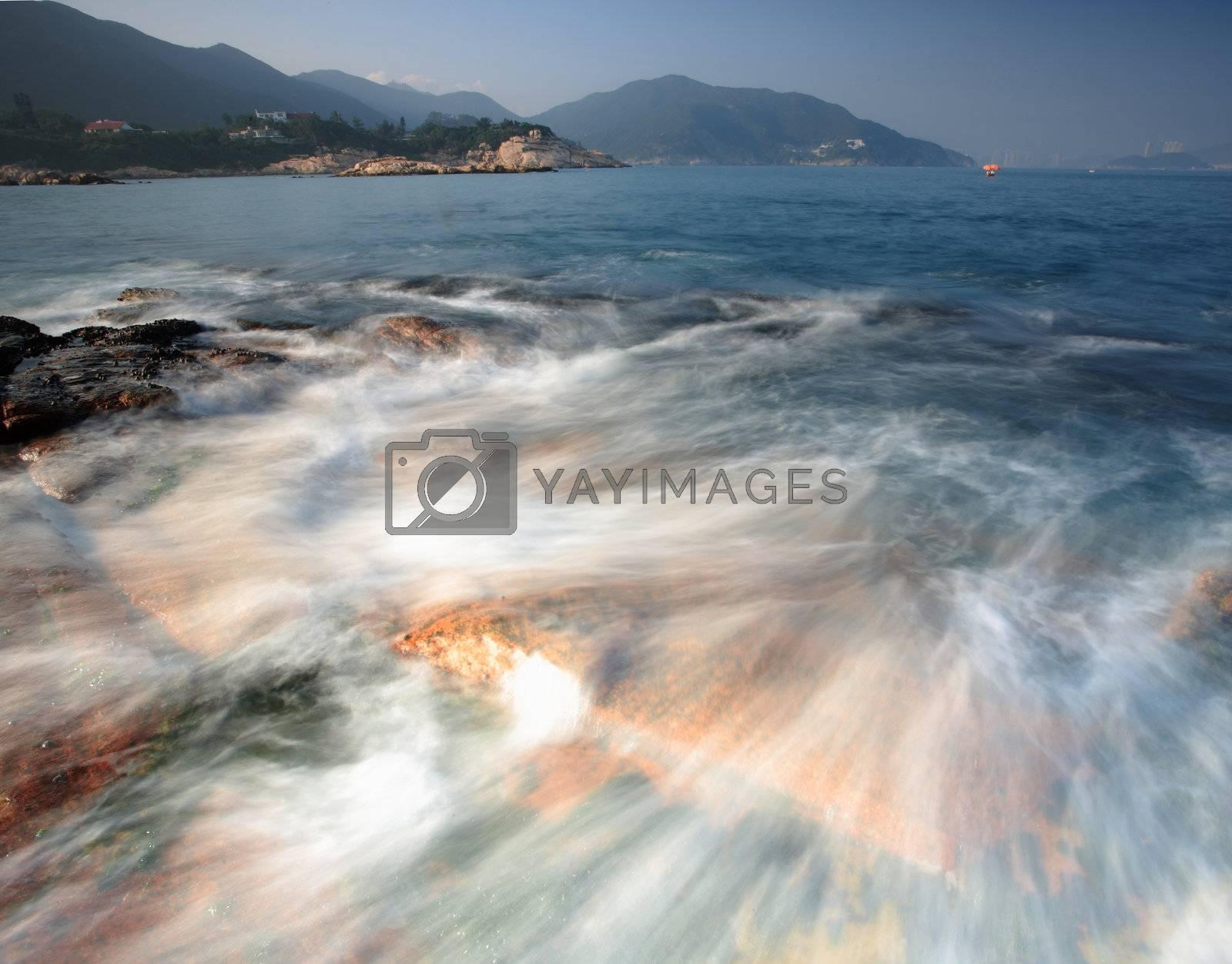Beautiful waves at coast by leungchopan