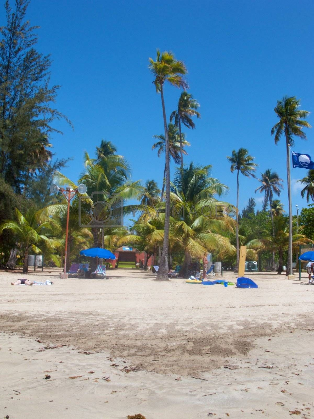 Luquillo Beach by jedphoto