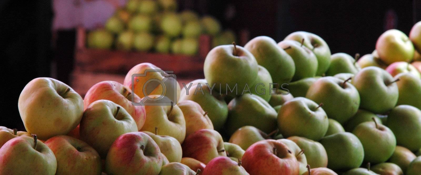 apples in market