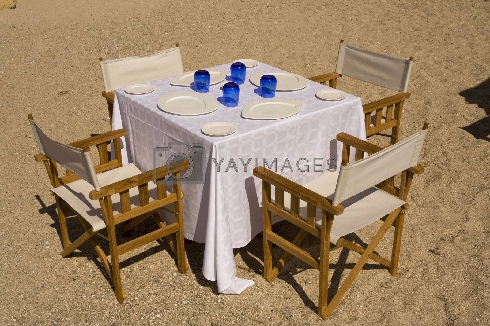 Table dressed on the beach by le_cyclope
