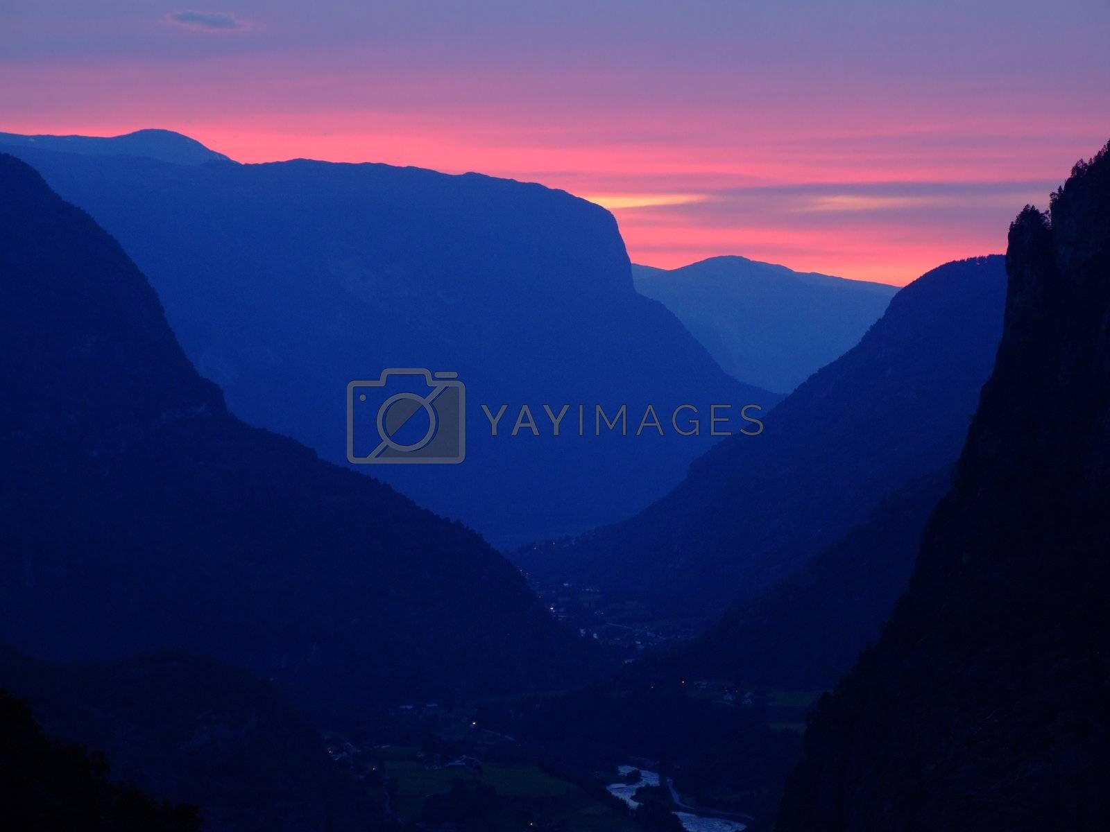 Sunset in Norway by ArtmannWitte
