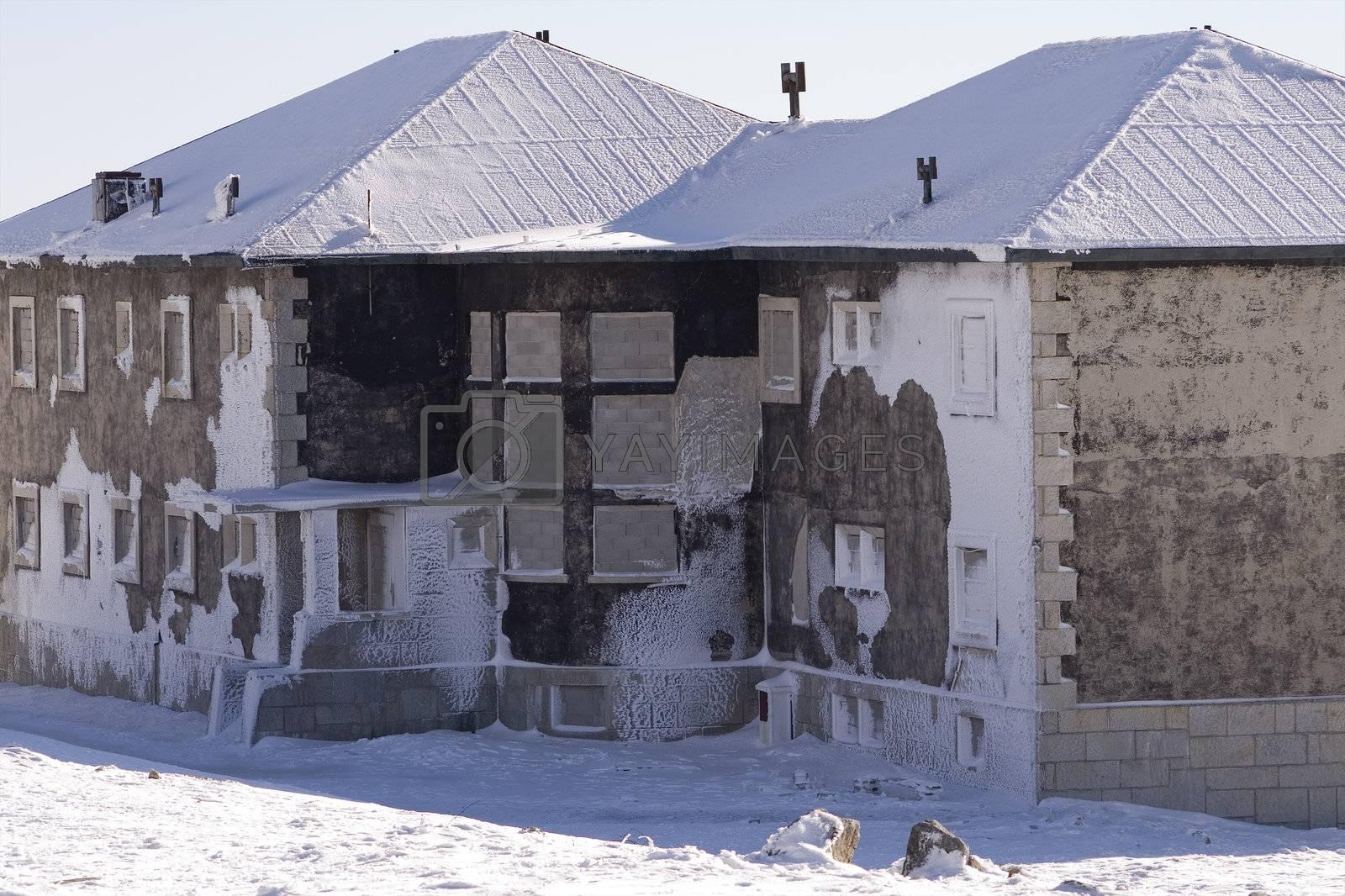 Frozen house by PauloResende