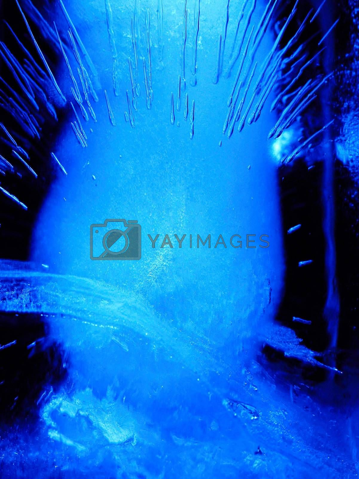 Abstract ice figure ver2, blue light