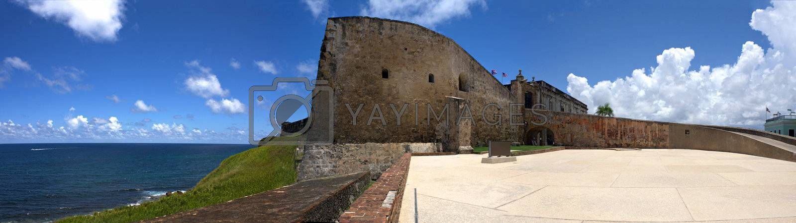 San Cristobal Fort by graficallyminded