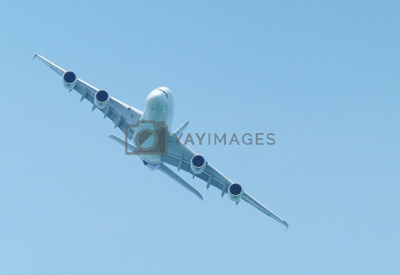 Large airliner flying by epixx