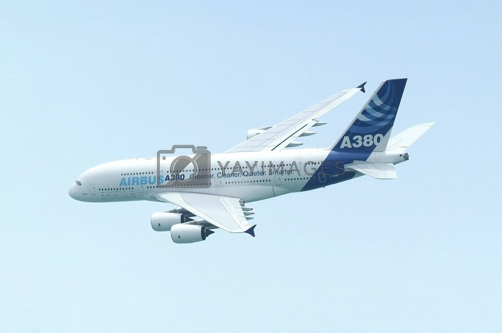 Airbus A380 by epixx