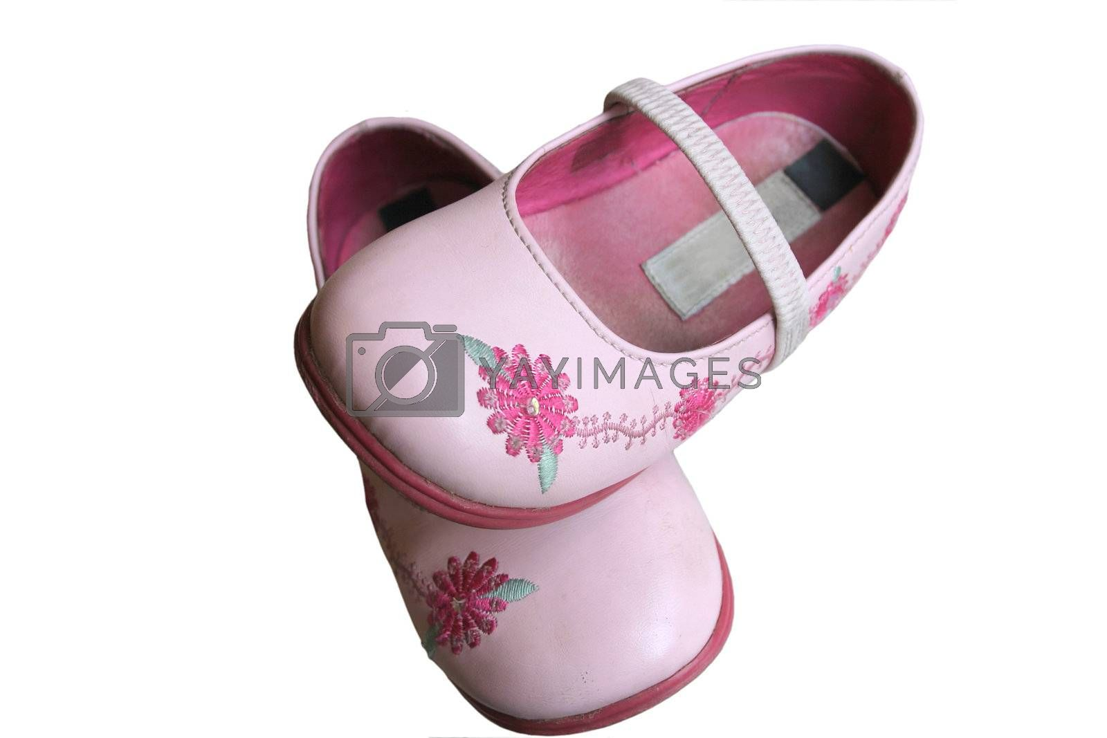 childs shoes by leafy