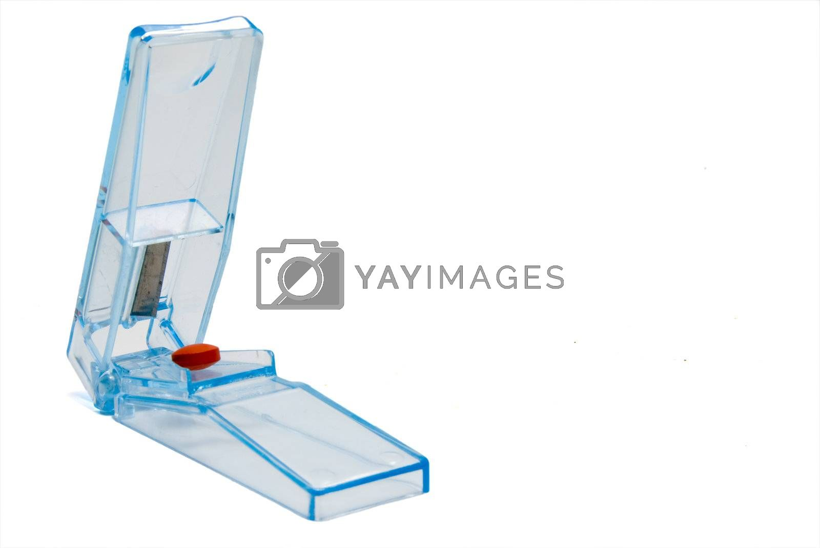 A cutter used for the disection of prescription medication.