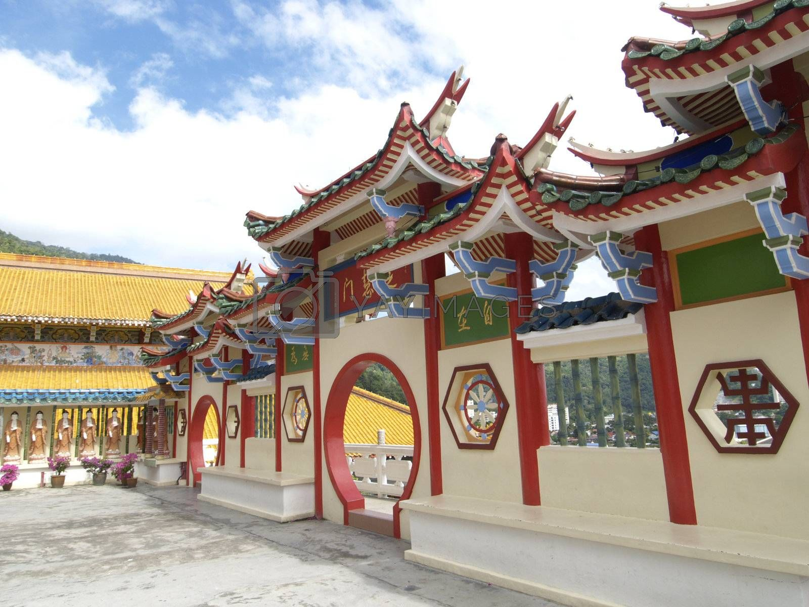 Chinese temple in Malaysia by epixx