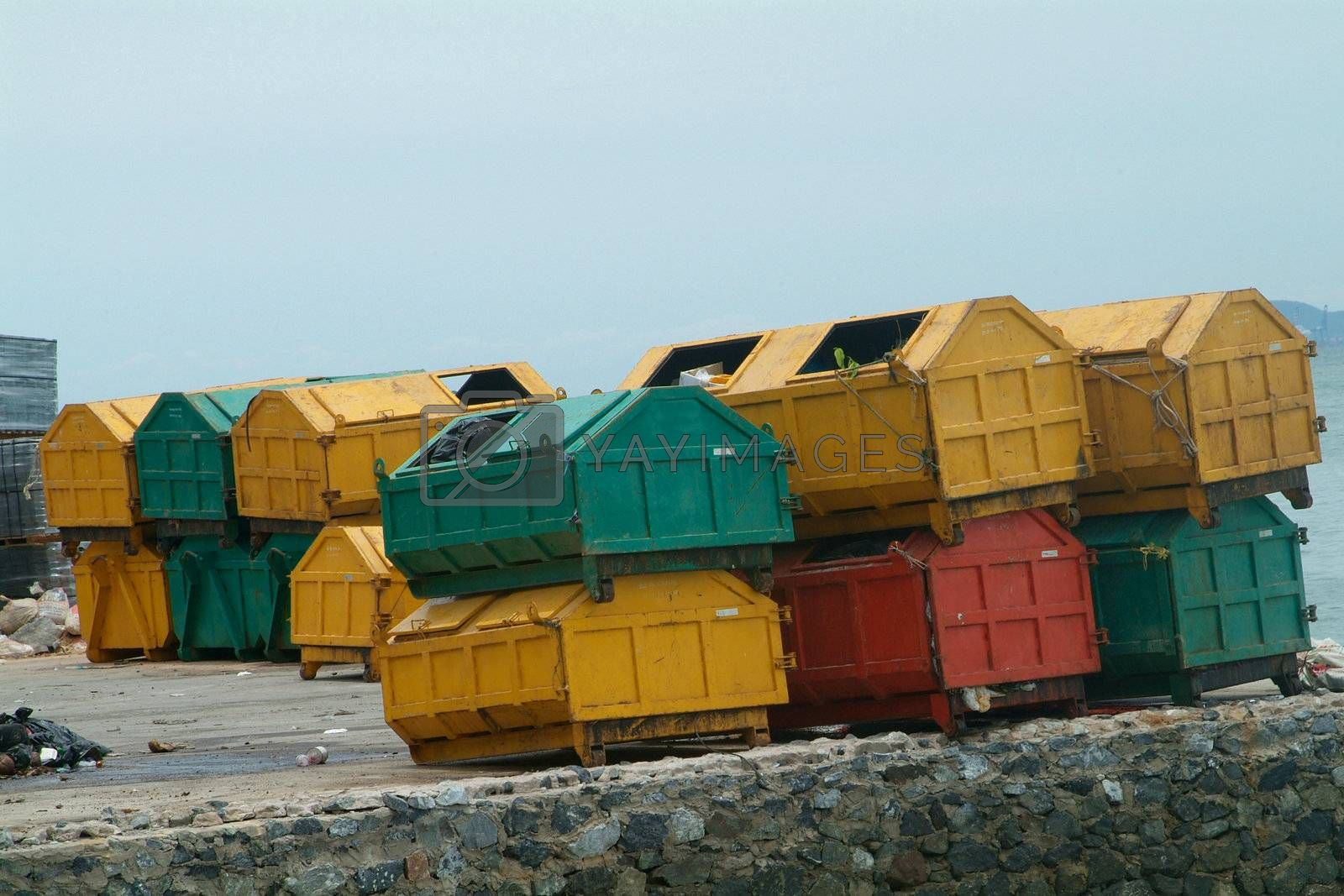 Garbage containers by epixx