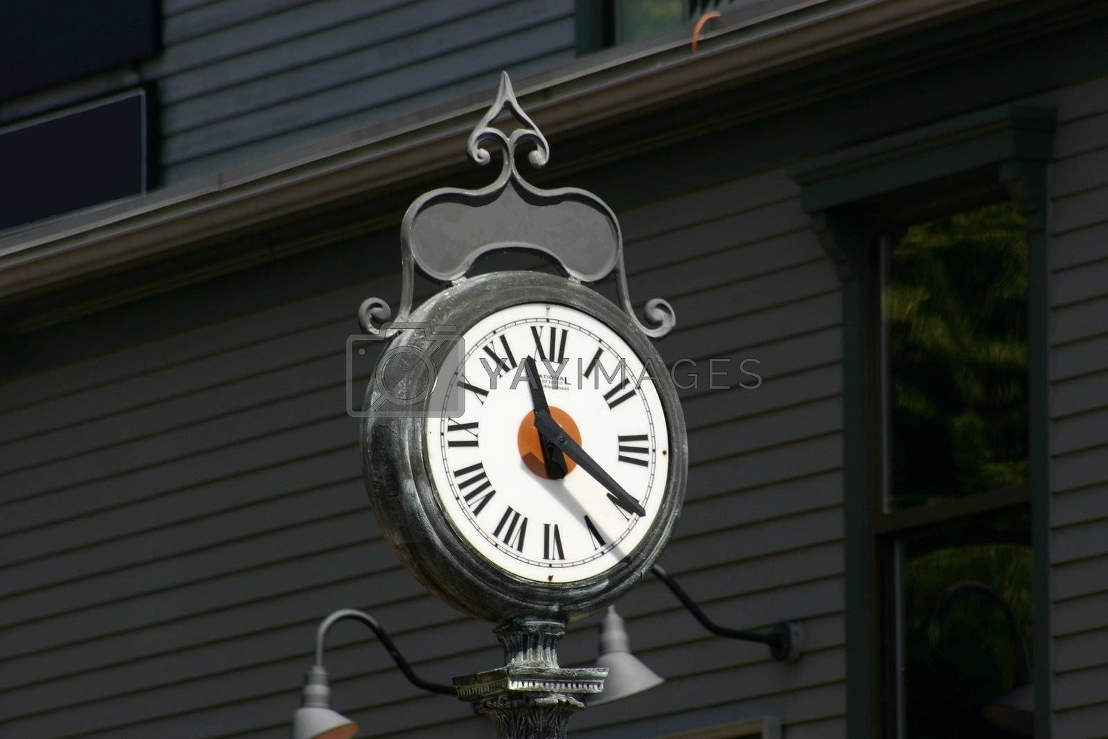 Clock found in the middle of a town square