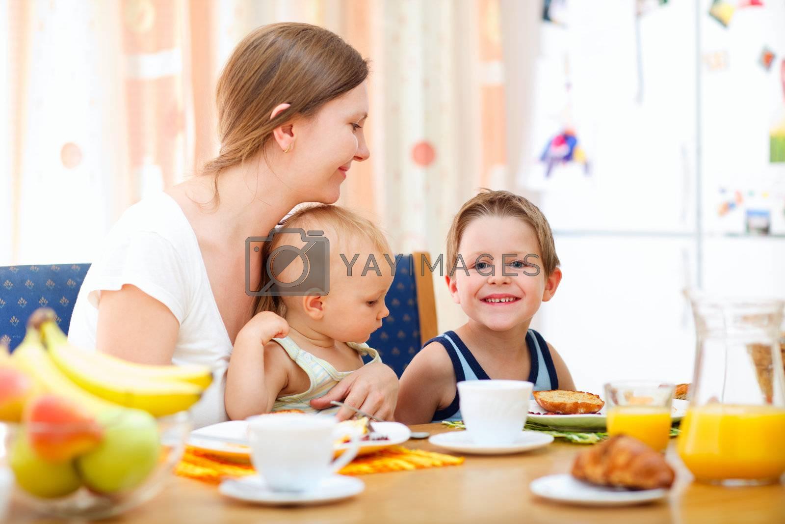 Family breakfast by shalamov
