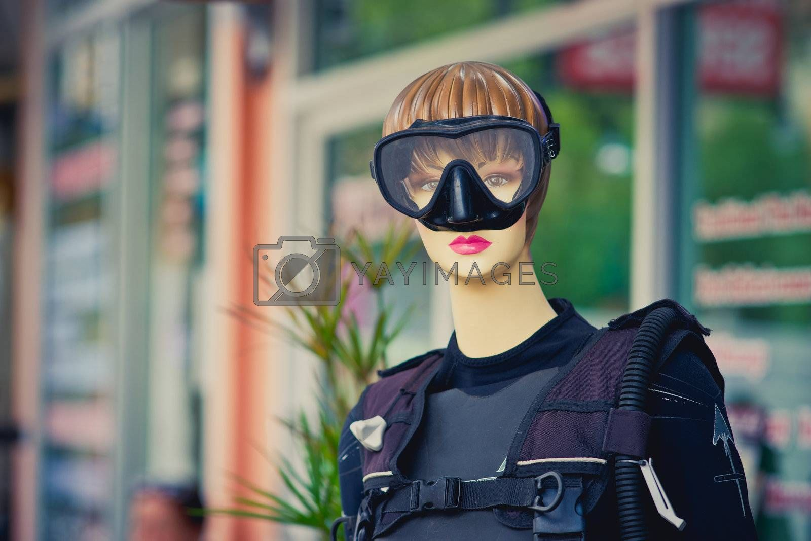 Female mannequin with diving mask
