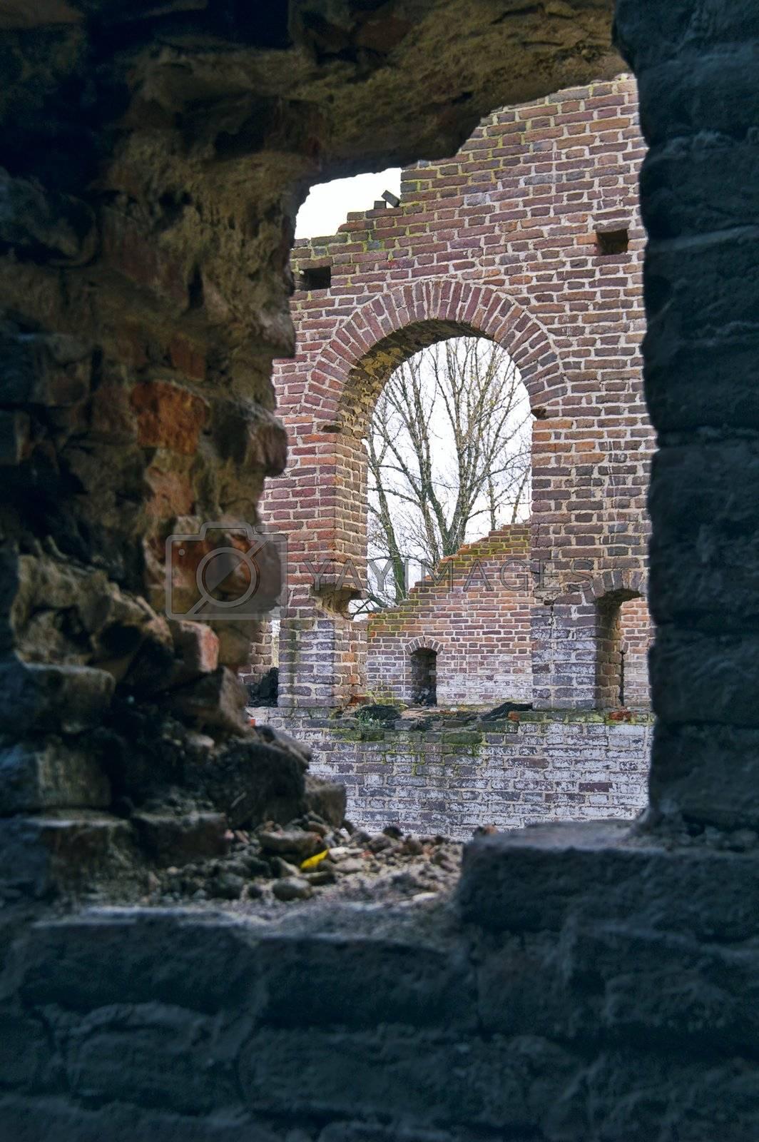 Ruins  by simfan