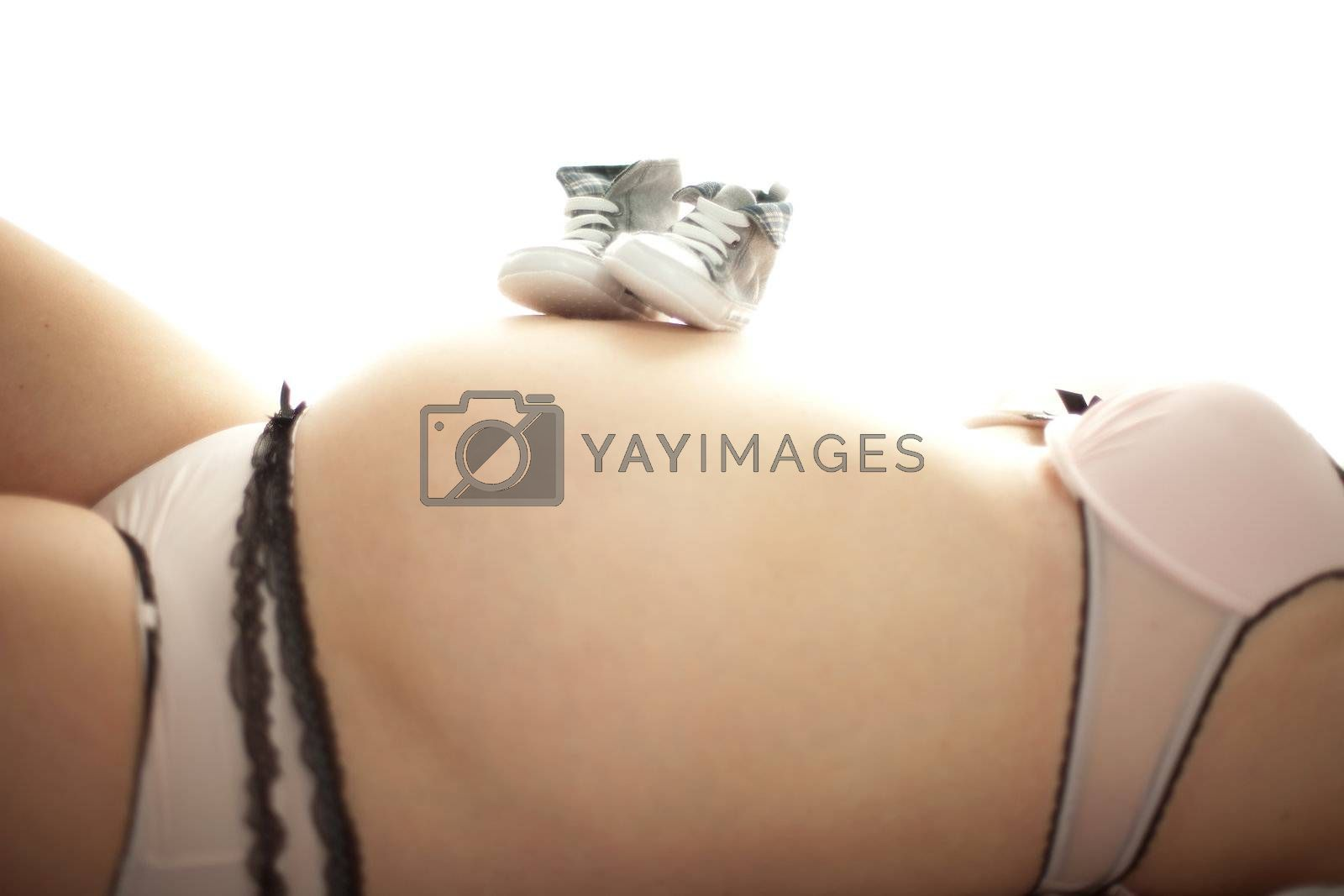Babybauch by aidasonne