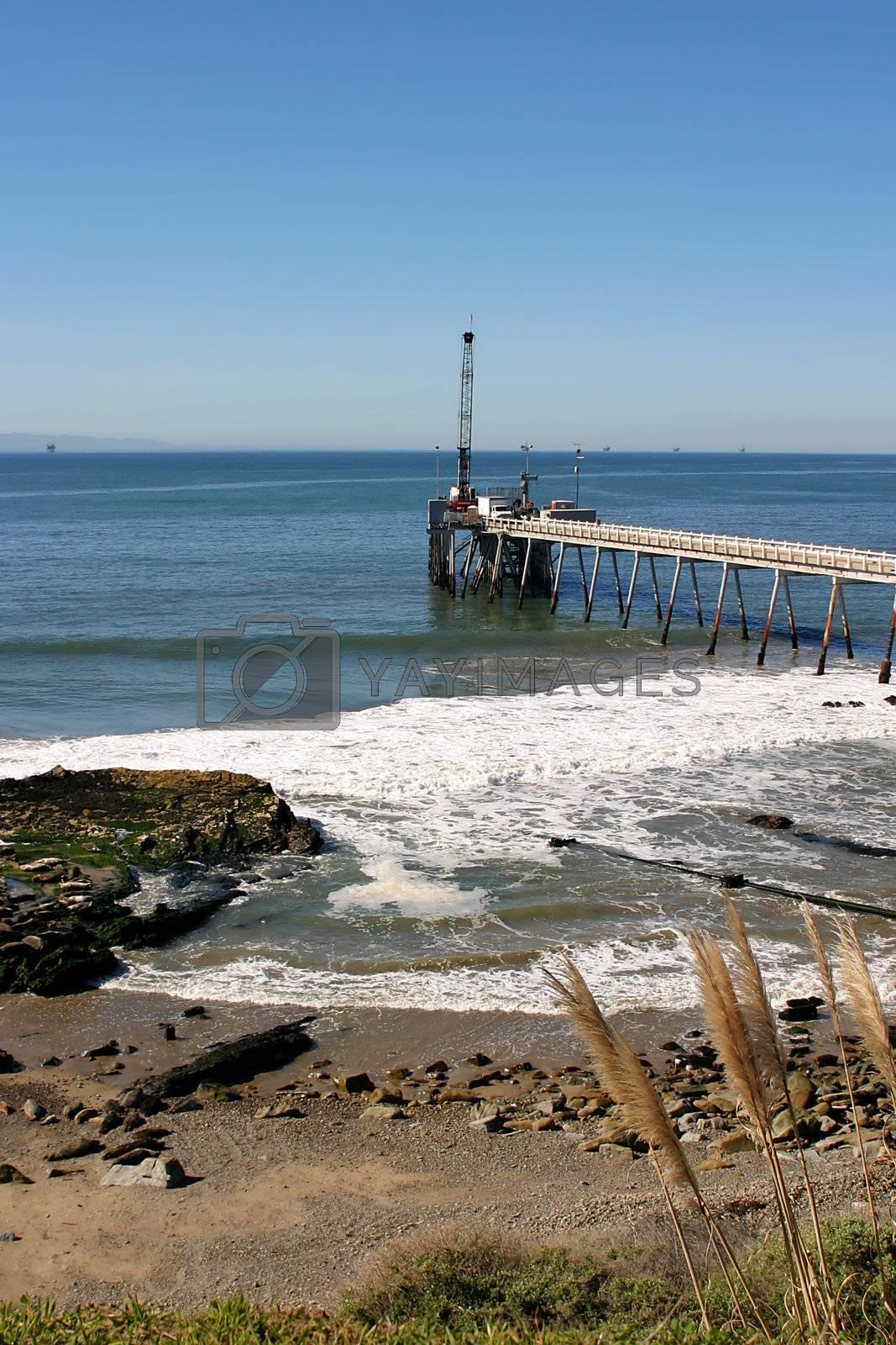 Carpinteria Pier by hlehnerer
