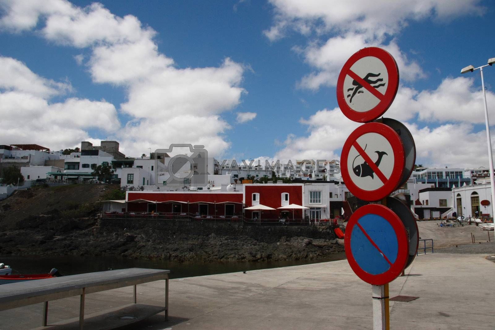harbour signs by morrbyte