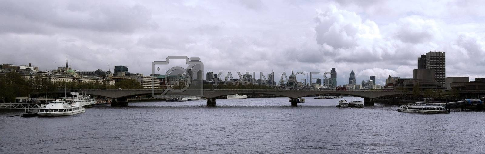 panoramic image of the city of london eastwards