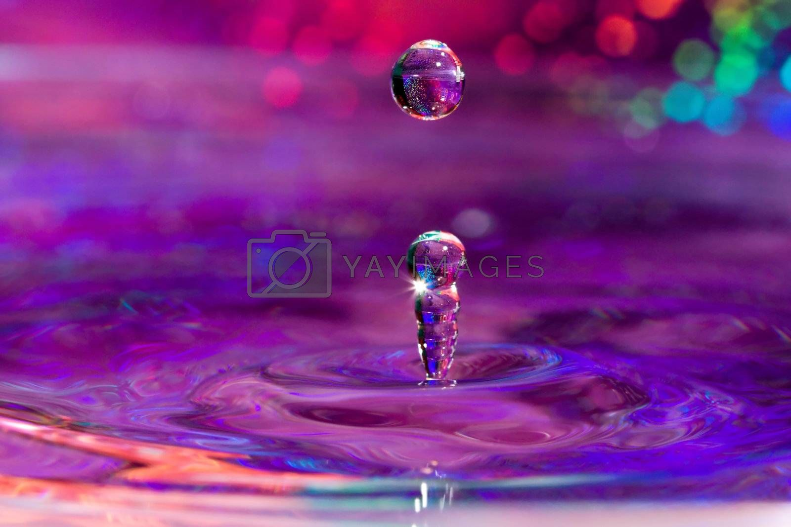 A column of forms after a water drop hits.
