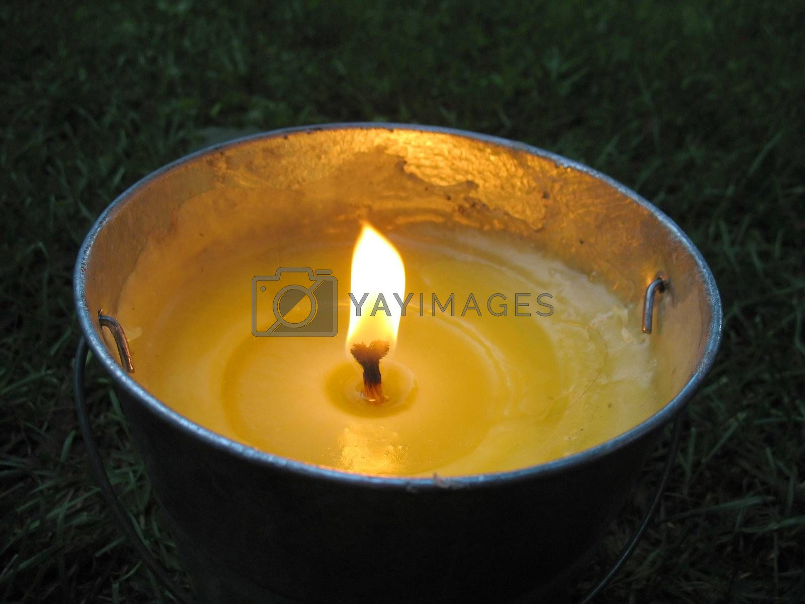 citronella bucket candle by graficallyminded