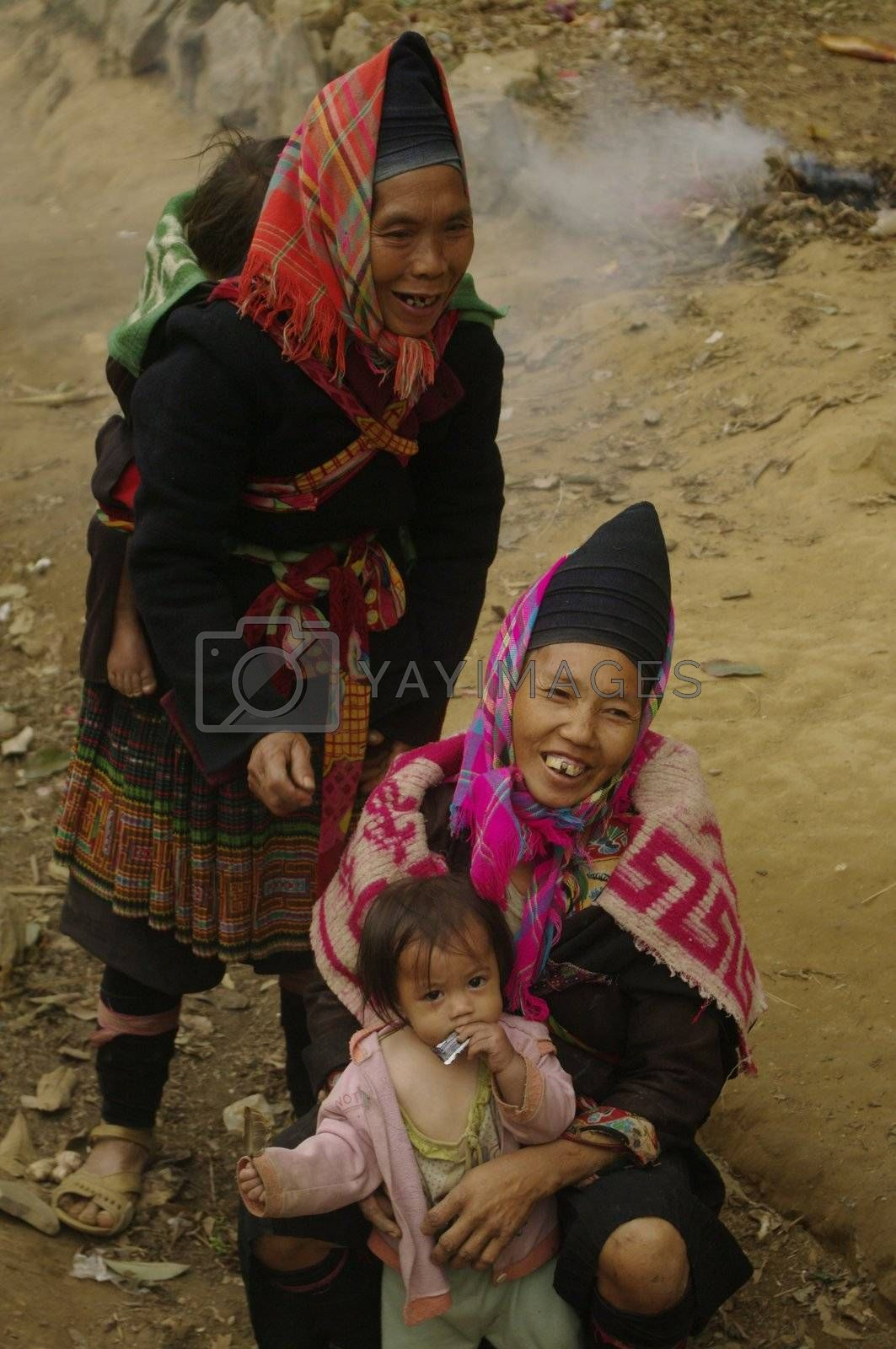 Women's Phu La ethnic group and their babies