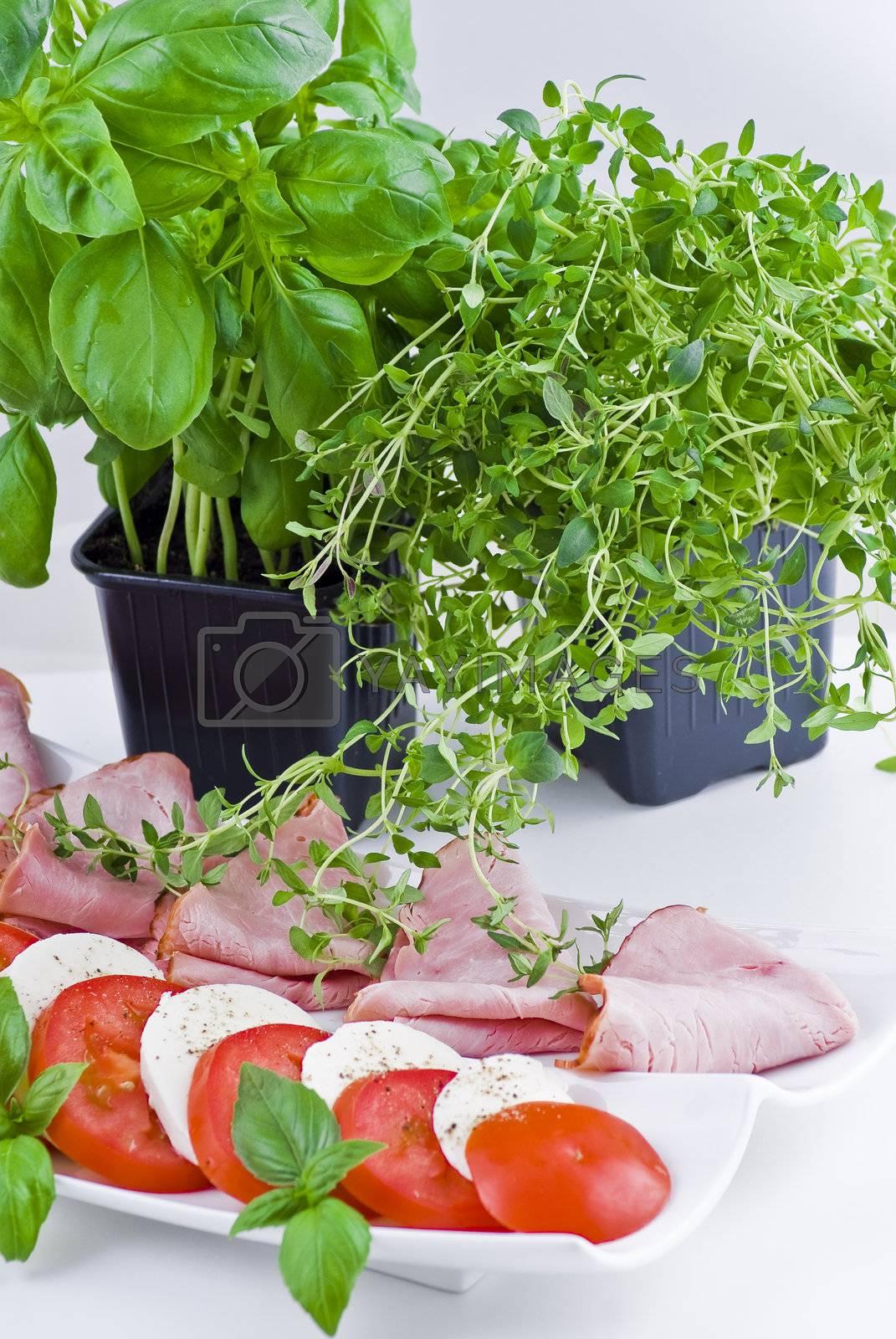 Tomato, mmozzarella and ham by caldix