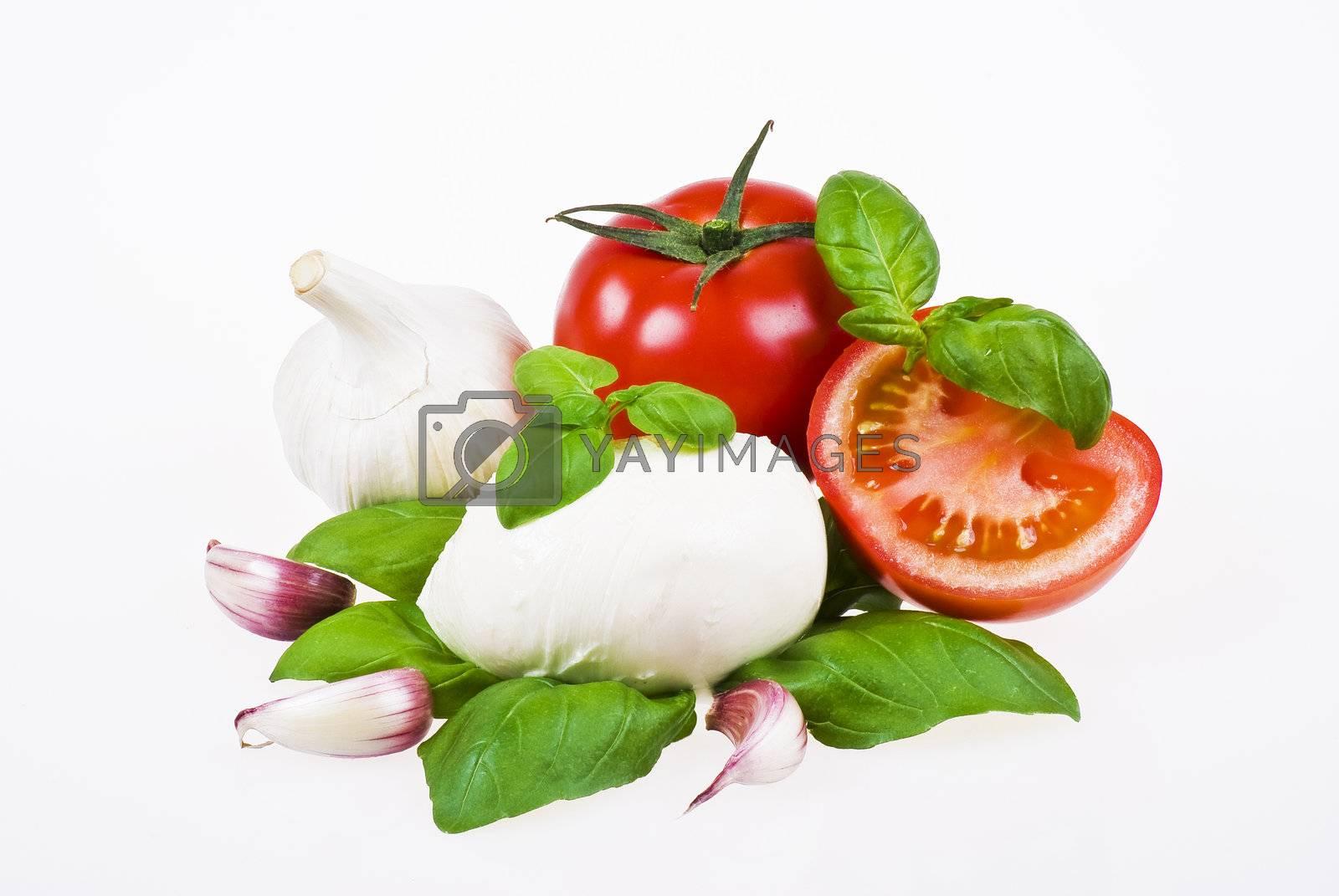 Tomatoes, mozzarella, basil and garlic by caldix