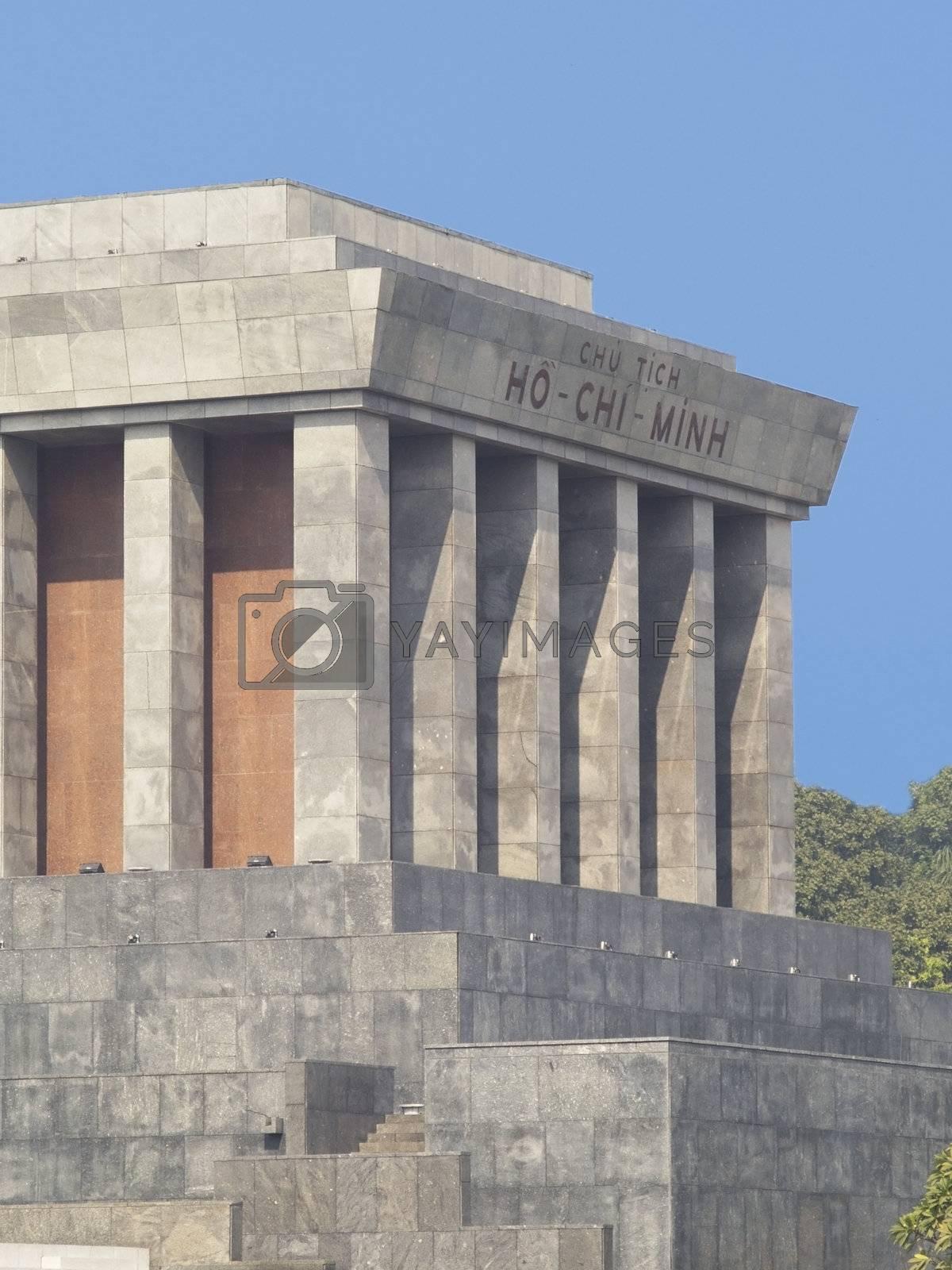 The Ho Chi Minh Mausoleum by epixx