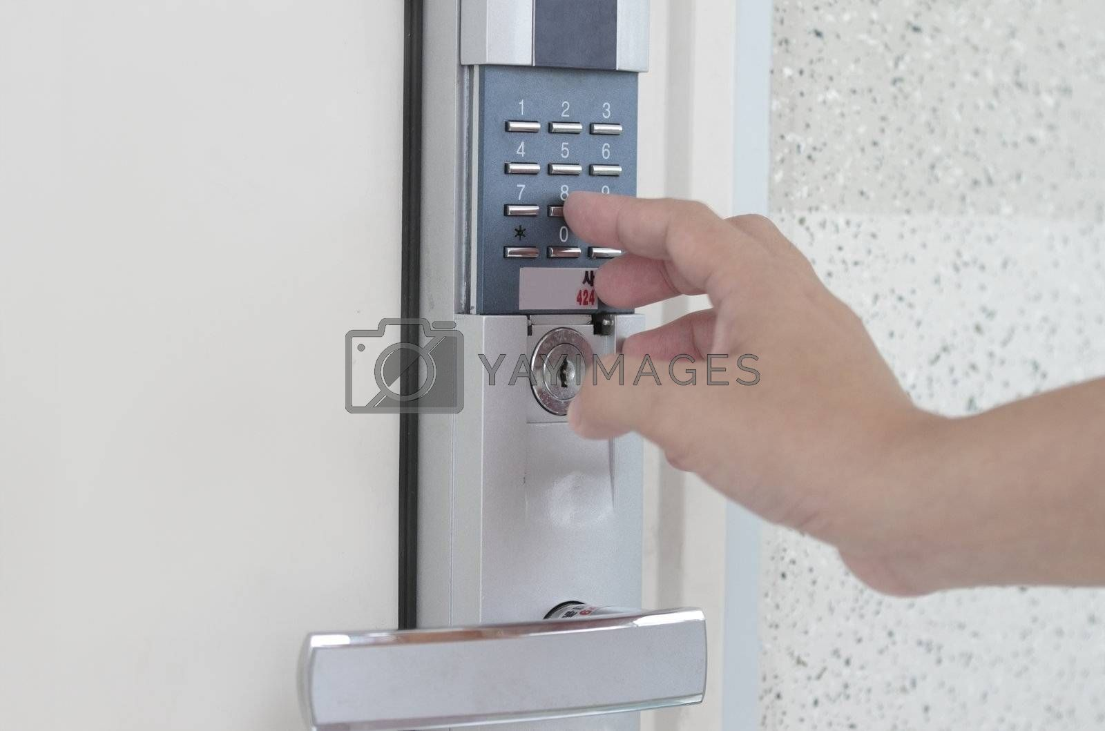 Signaling of domestic safety door combination - concept for security