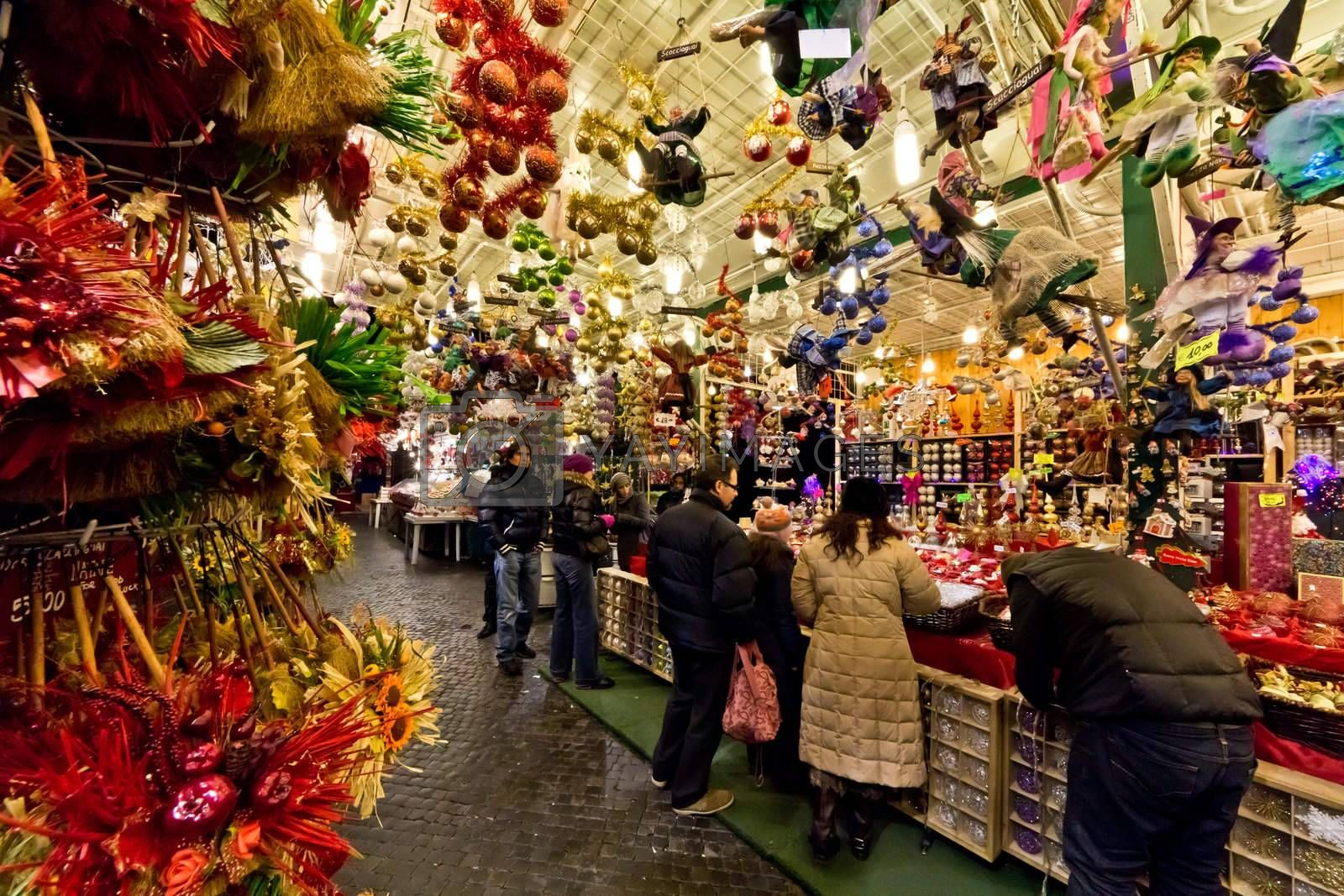 A flea market in the streets of Rome during Christmas time.