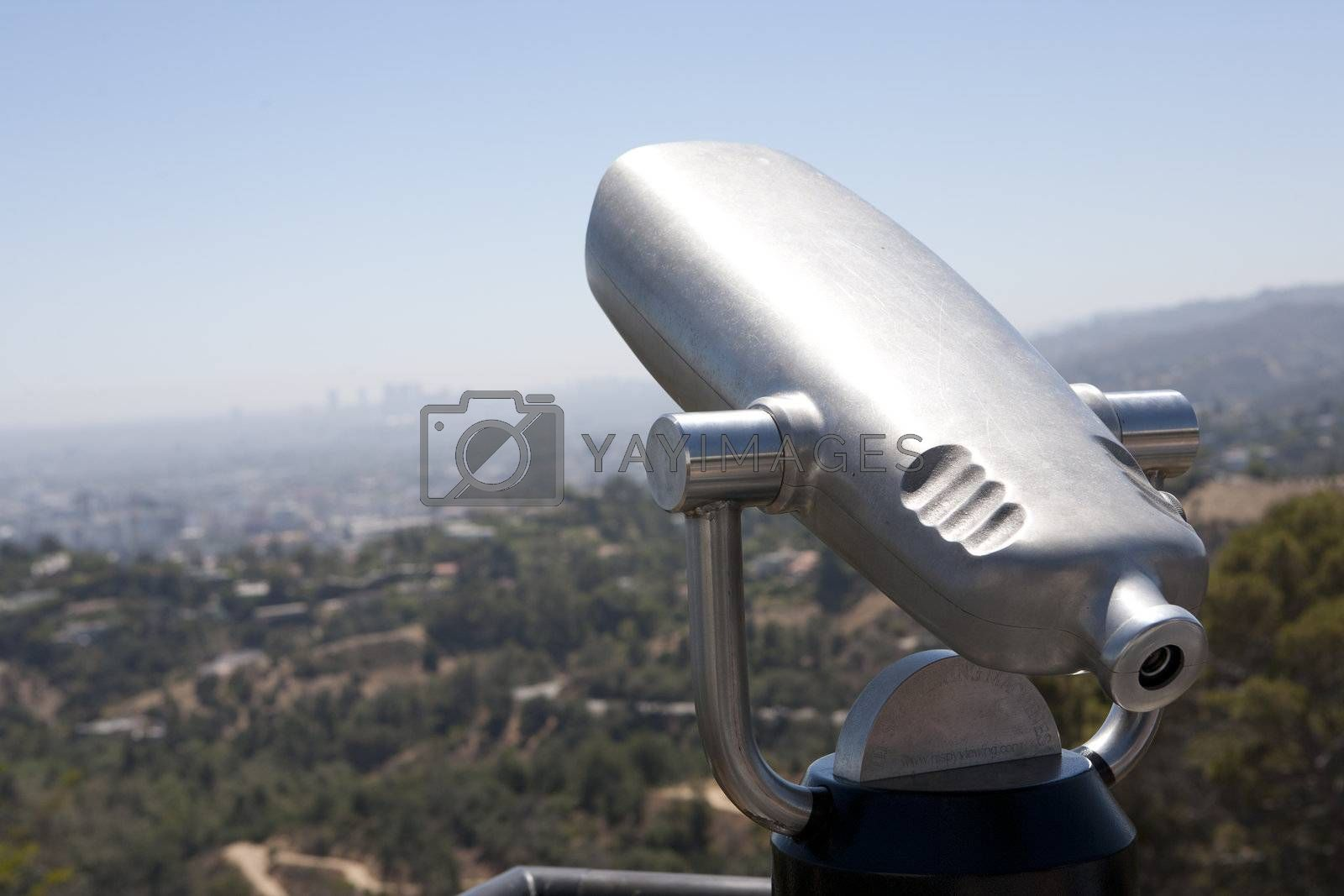 Low power binocular for viewing cityscapes
