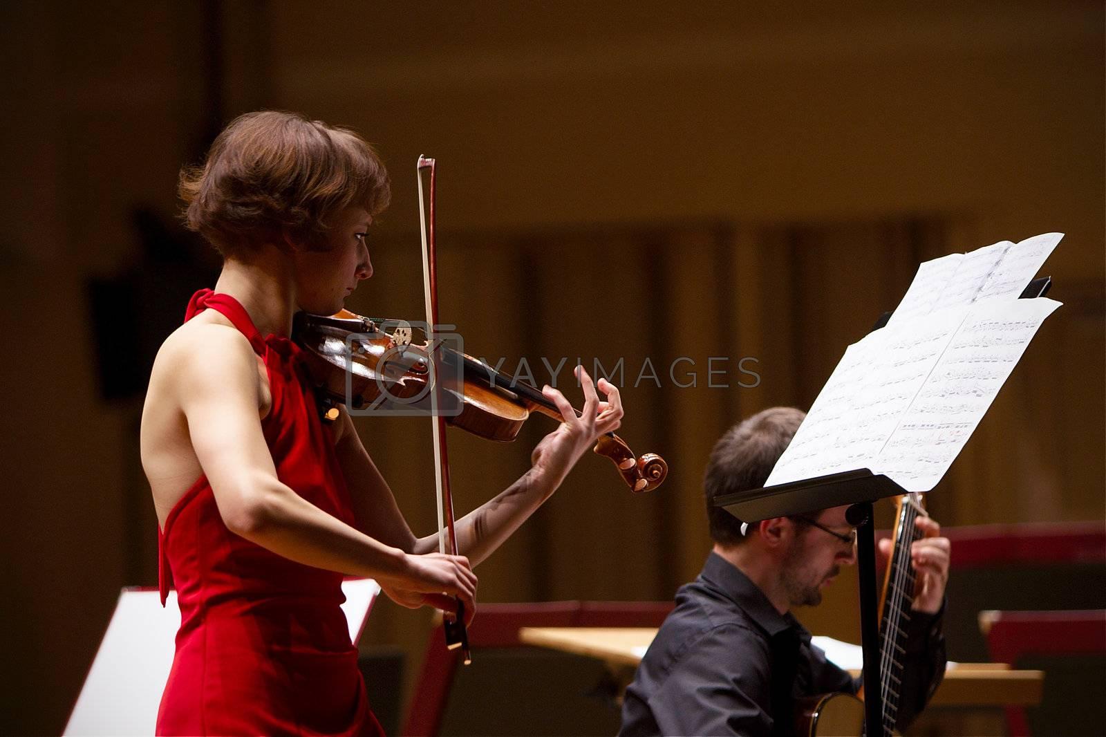 27.01.2012 Gorzow Wielkopolski.  Anna Maria Staskiewicz - violin. Playing Astor Piazzola - El Tango.