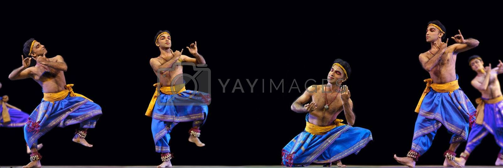 """CHENGDU - OCT 24: Indian folk dance """"Kalinga Nartanam"""" performed by Kalakshetra dance institute of India at JINCHENG theater during the festival of India in china.OCT 24,2010 in Chengdu, China."""