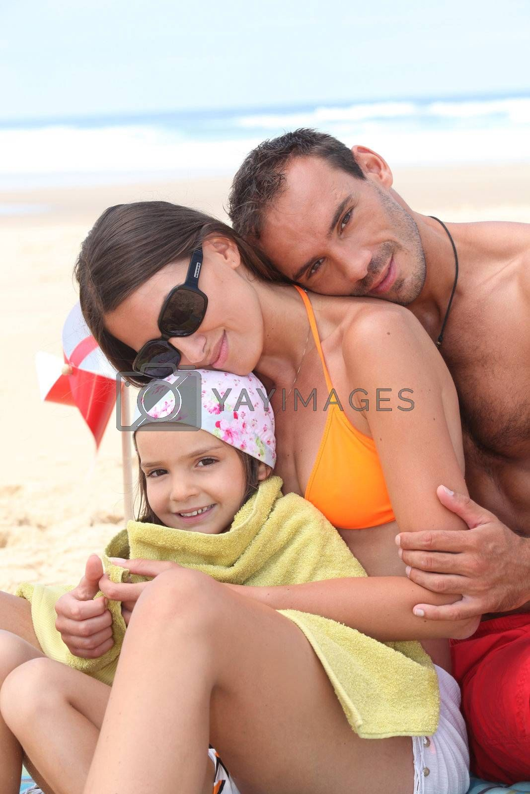 Family at the seaside by phovoir