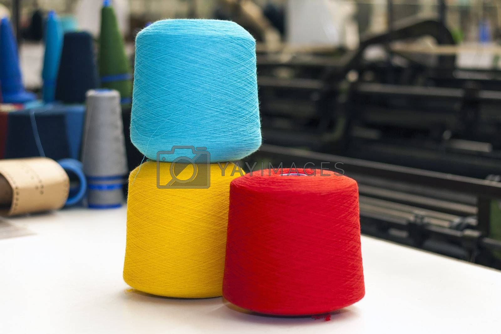 Cone fiber with several colors use in textyle industry