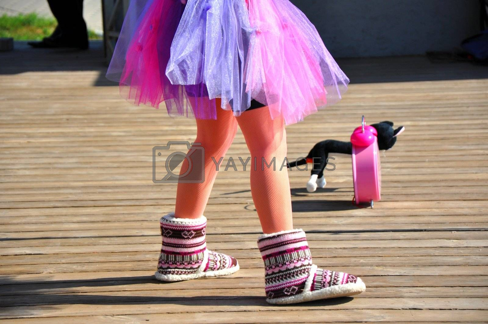 Legs singing girls