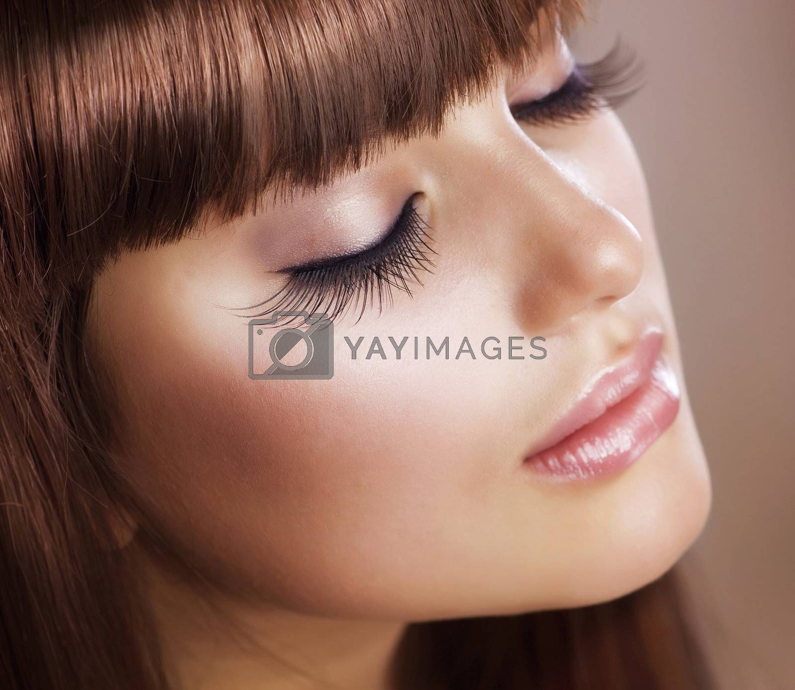 Fashion Makeup. Perfect Skin