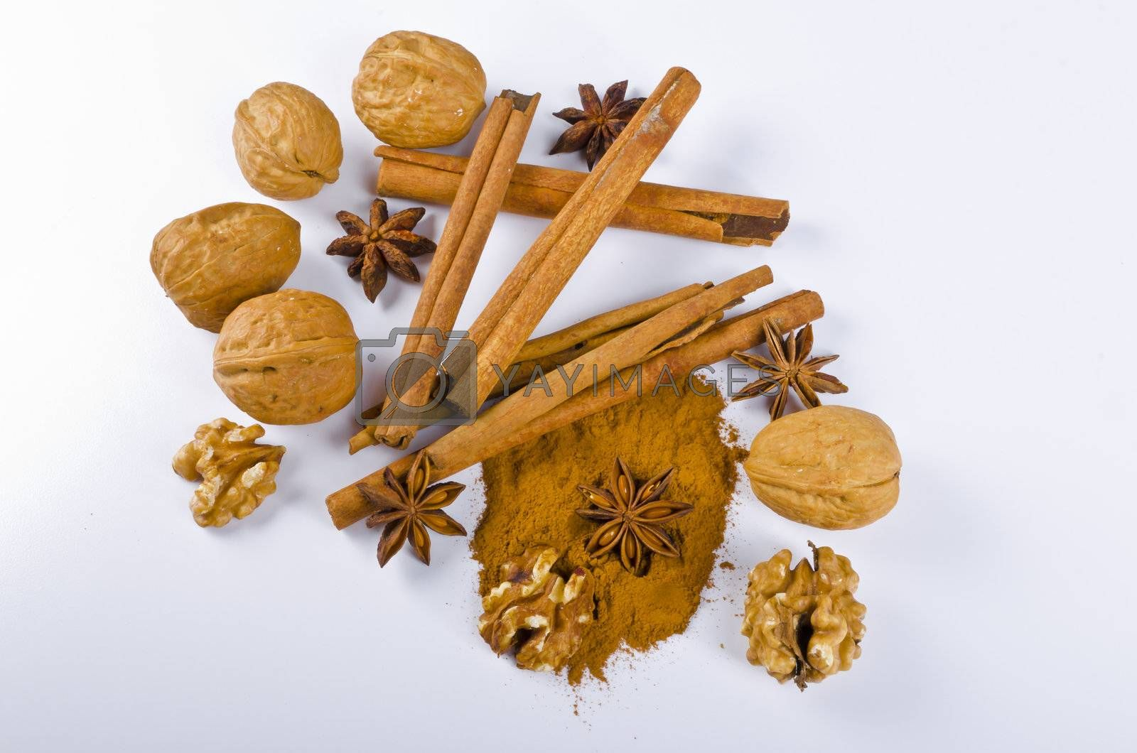 What would be gingerbreads, Christmas little places or mulled wine without cinnamon and aniseed, the typical Christmassy spices?
