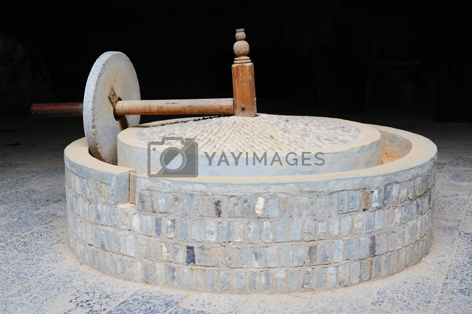 Chinese traditional style stone mill for grinding rice husk