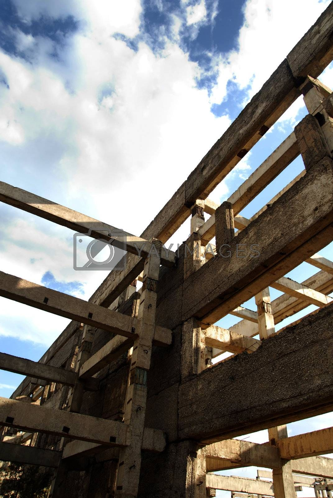 Perspective photo of the building structure and cloudy sky