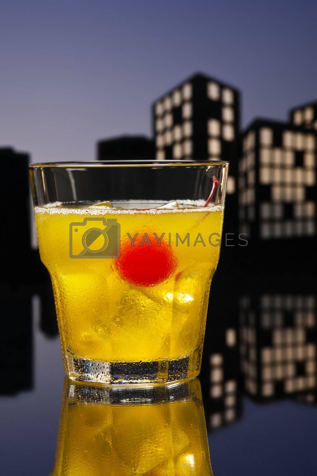 Metropolis Skrew Drivercocktail in city skyline setting