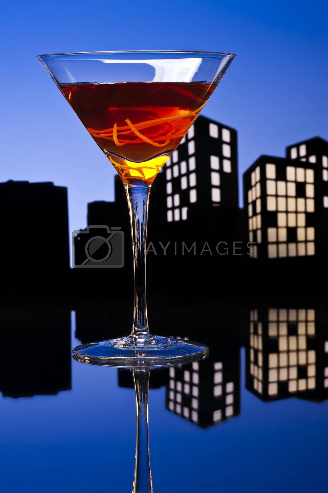 A Manhattan is a cocktail made with whiskey, sweet vermouth, and bitters. Whiskeys used are rye (the traditional choice), Canadian whisky, bourbon, blended whiskey and Tennessee whiskey.