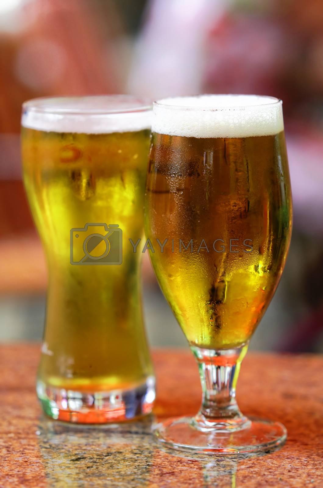 two glasses of fresh bier