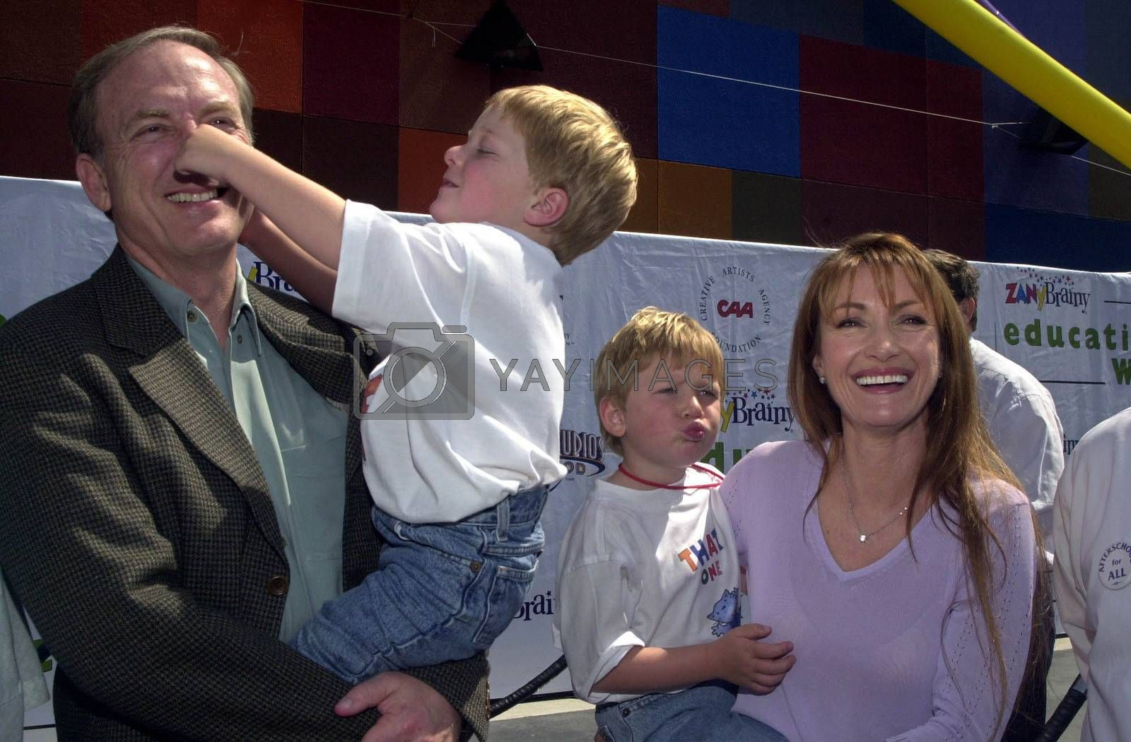 Jane Seymour and James Keach and Kids at the Education Works benefit to promote after-school activities, Universal Studios Hollywood, 03-25-00