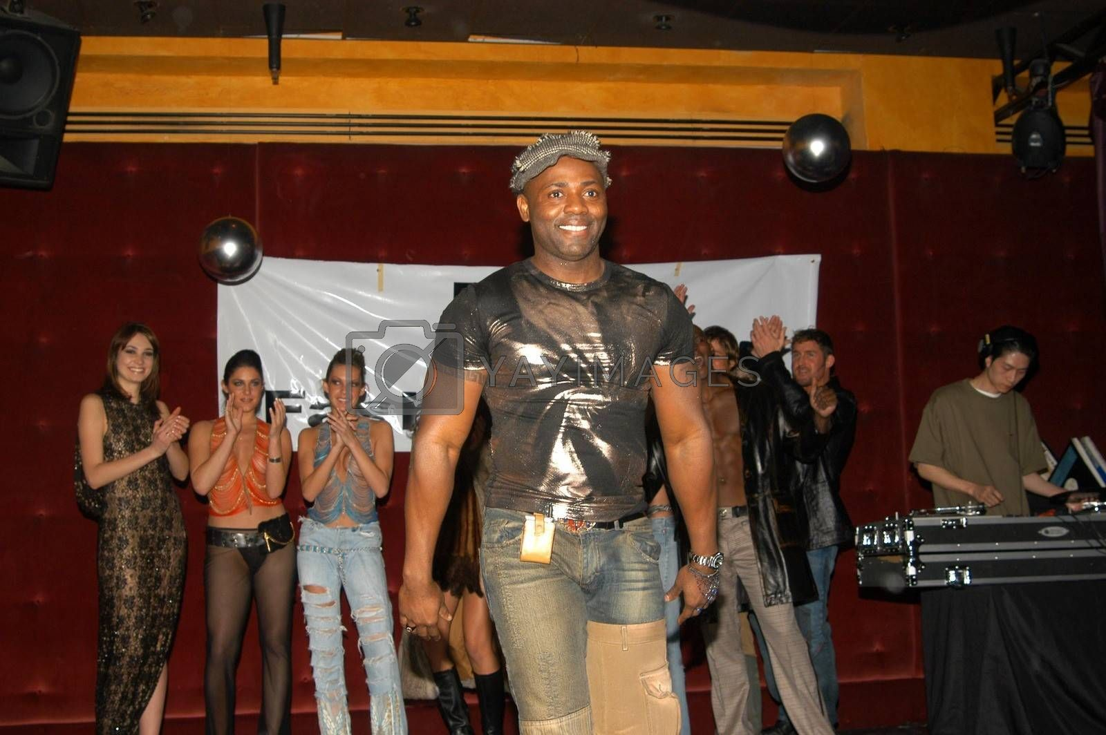 Designer Elliot Tommy at the fashion show thrown by Fashion Paige, Barfly, West Hollywood, CA 12-27-02
