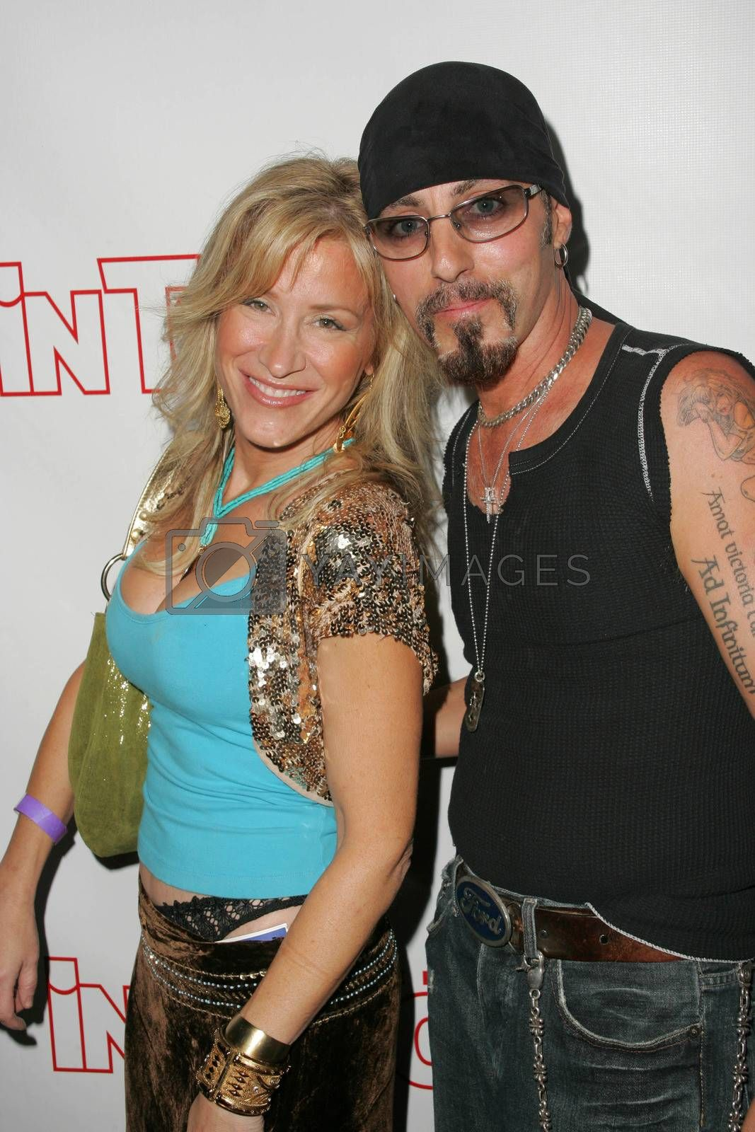 Lisa Ann Walter and Chris Amerouso at the In Touch Presents Pets And Their Stars Party, Cabana Club, Hollywood, CA 09-21-05