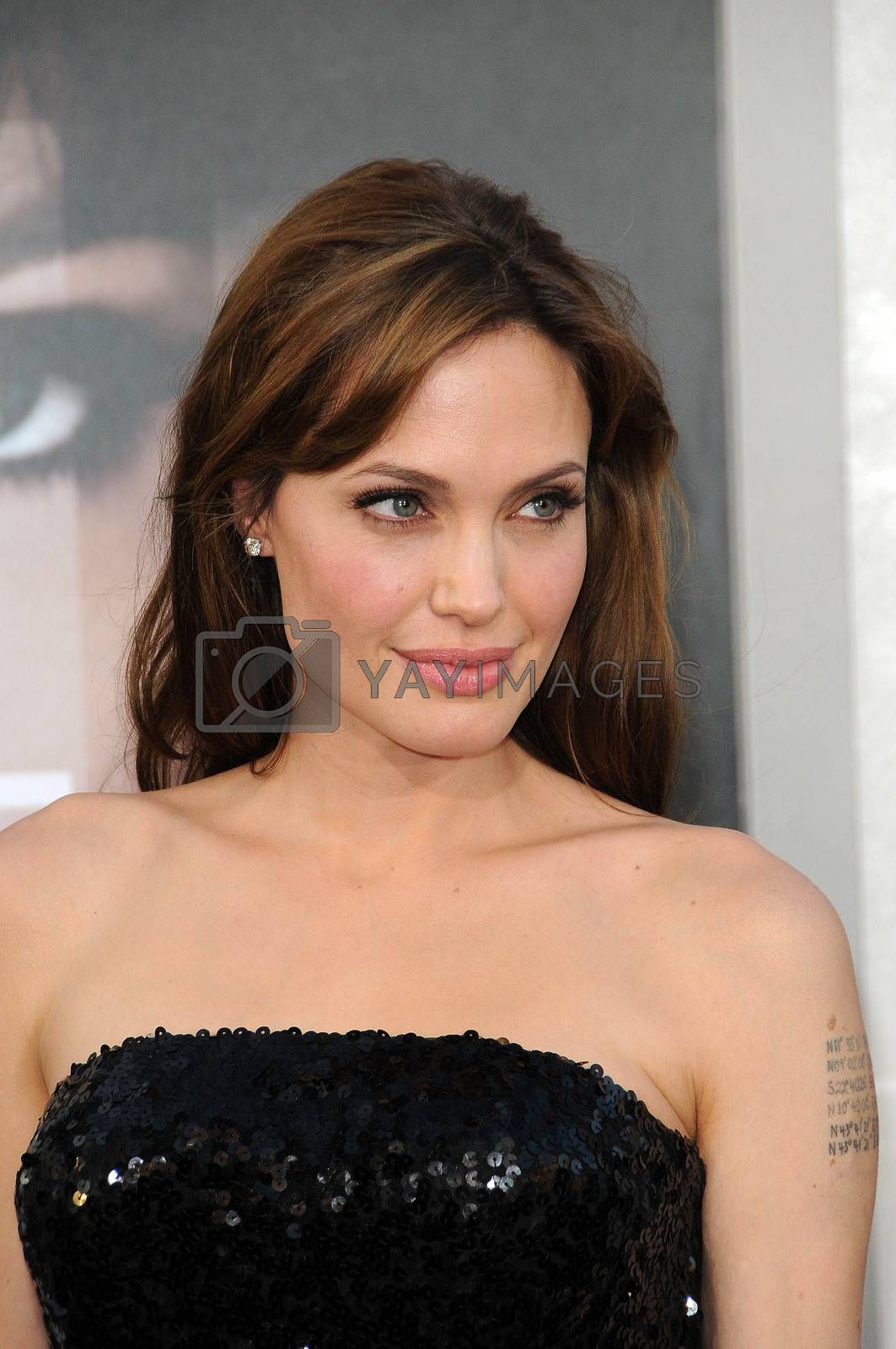 """Angelina Jolie at the """"Salt"""" Los Angeles Premiere, Chinese Theater, Hollywood, CA. 07-19-10"""