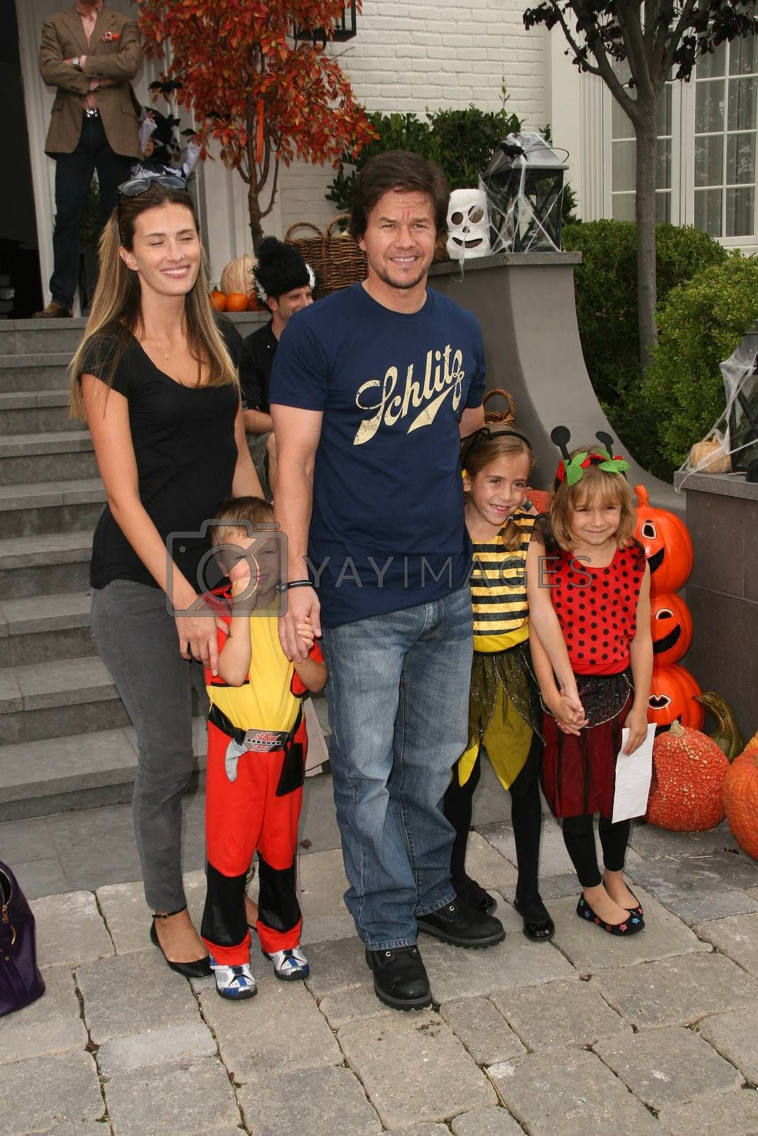 Mark Wahlberg And Rhea Durham And Michael Wahlberg And