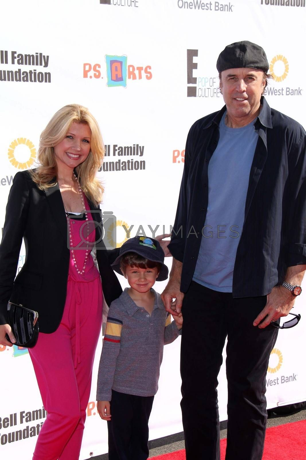 Kevin Nealon Wife Susan Yeagley And Son Gable At P S Arts 2012 Express Yourself Barker Hangar Santa Monica Ca 11 11 12 Imagecollect Royalty Free Stock Image Stock Photos Royalty Free Images Vectors Footage Yayimages View all susan yeagley pictures. https www yayimages com 12271282 kevin nealon wife susan yeagley and son gableat ps arts 2012 express yourself barker hangar santa monica ca 11 11 12imagecollect html